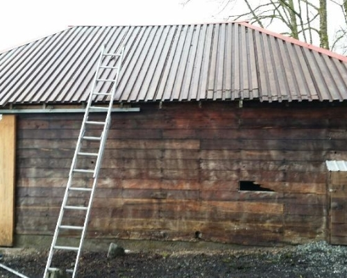 How To Clean A Metal Roof